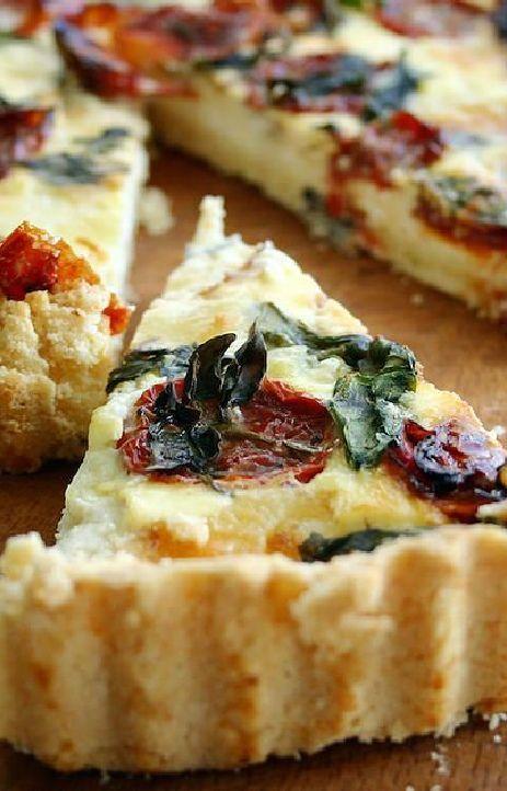 Low FODMAP and Gluten Free Recipe - Roasted tomato, basil & Parmesan quiche (Update) - http://www.ibssano.com/low_fodmap_recipe_roasted_tomato_basil_parmesan_quiche.html
