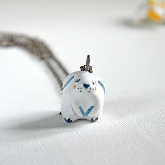 Sitting bunny necklace 100% handmade high quality ceramics, glazed. Decorated with genuine gold.   #bunny #bunnynecklace #bunnylove #rabbits #whiterabbit #rabbitoftheday #bunnycostume #animaljewelry #animallovers #ceramics #gold #artwork #cuteanimals #pendants #necklace #artjewelry #aliceinwonderland #handmadejewelry #handpainted #ceramicbunny #cutejewelry #cutepetclub #bunnyoftheday #minilop #bunnies #dailyfluff #autumn #ceramicjewelry #instaart #mrsbiscuit