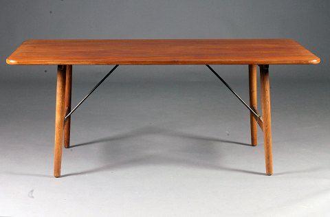 "Børge Mogensen / Fredericia Furniture. ""Hunting Table""."