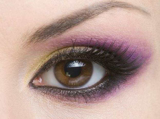 Beautiful!  Gold, Plum Pizazz & Grape will recreate this look!