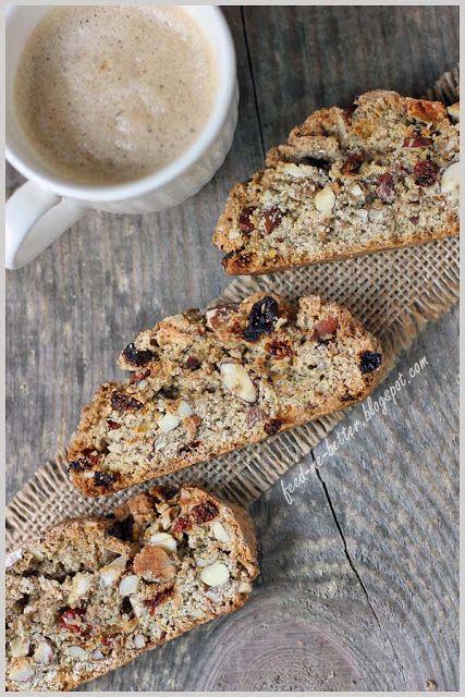 Feed Me Better: Pełnoziarniste ciasteczka biscotti otrębowe.