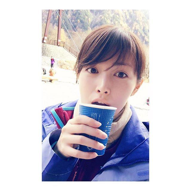 下山後すぐ飲んだのは甘い甘い珈琲牛乳でした。 #山女日記#最終話#涸沢#下山#ふふふ#佐藤めぐみ#疲れて#ふぁーって#なってる。
