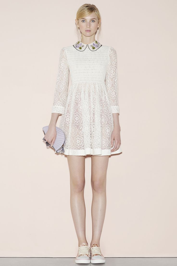 Red Valentino Spring 2016 Ready-to-Wear Collection Photos - Vogue   http://www.vogue.com/fashion-shows/spring-2016-ready-to-wear/red-valentino/slideshow/collection#20