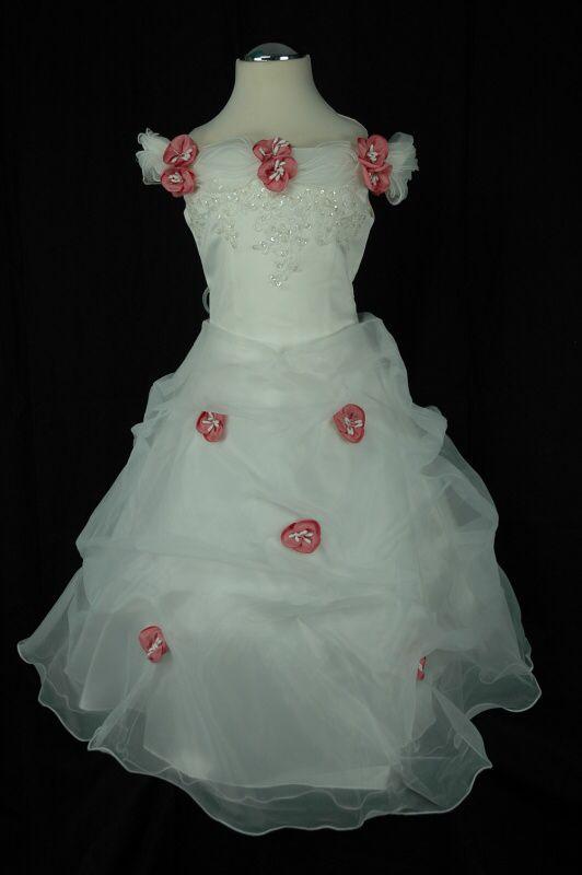 Een echte Sissy jurk met oud roze roosjes en kant. Mijn nichtje houdt van deze jurk en is een echt prinsesje!  http://www.gonnieskinderkleding.nl/a-36514423/bruidsmeisjes-communie-jurken/sissy-jurk-met-roze-roosjes/