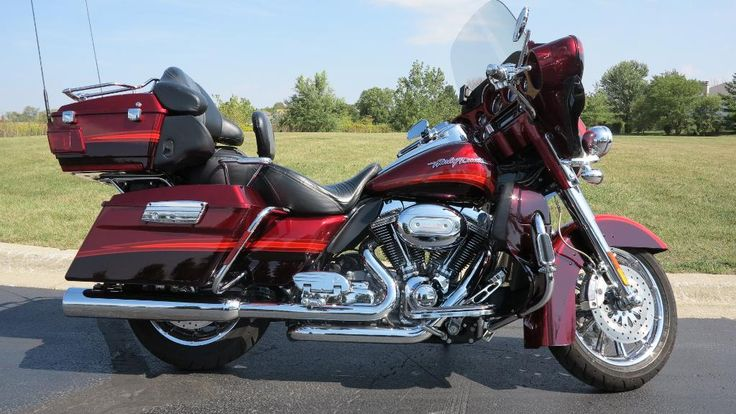 Specifications for the 2009 Harley-Davidson CVO™ Ultra Classic® Electra Glide®
