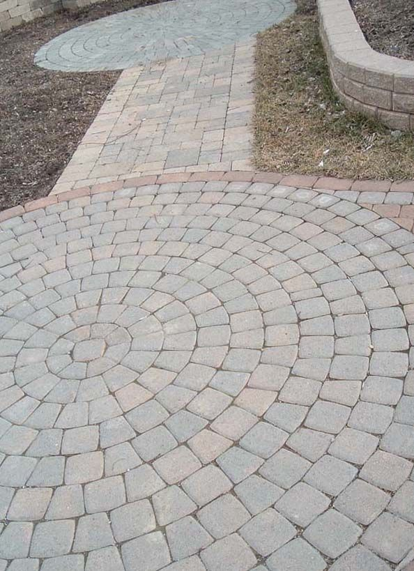 Building Patio Pavers And Retaining Walls. This Is Basically What I Want.