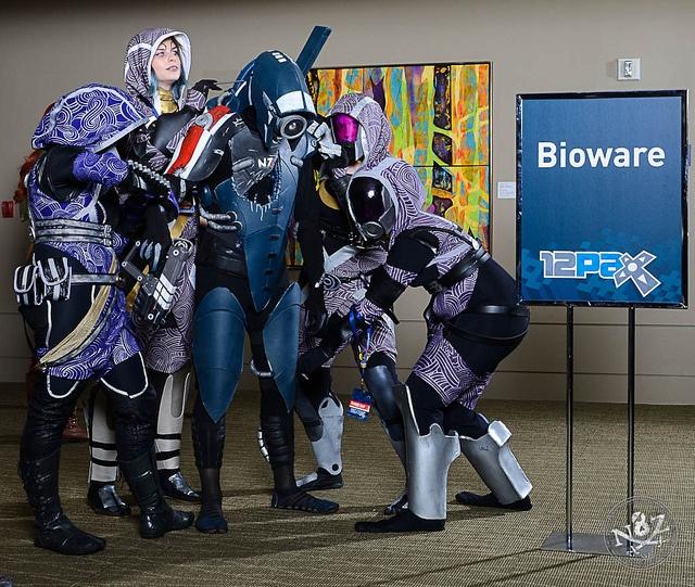 4 Tali's fix a Legion, photo by N8Zim, via Flickr (includes @masterwaffle)
