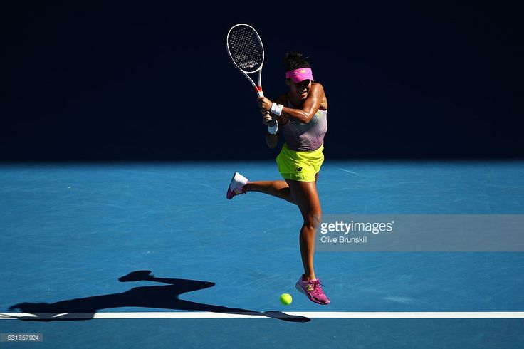 Heather Watson of Great Britain plays a backhand point in her first round match against Samantha Stosur of Australia on day two of the 2017 Australian Open at Melbourne Park on January 17, 2017 in Melbourne, Australia.  (Photo by Clive Brunskill/Getty Images)