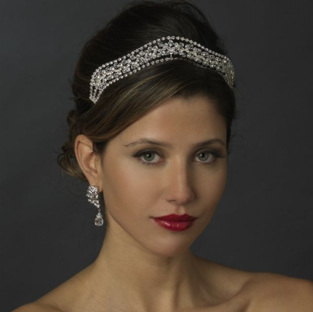 Gorgeous wedding tiara trend
