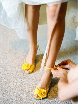My knees are wobbly, getting some help in putting these gorgeous yellow shoes on. Hope I can walk down the path..................