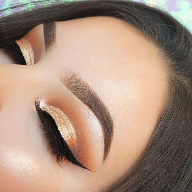 @mmtmakeup_ ~~~~~~ BROWS: #Dipbrow in soft brown EYES: Modern Renaissance Palette #ABHBrows #AnastasiaBeverlyHills