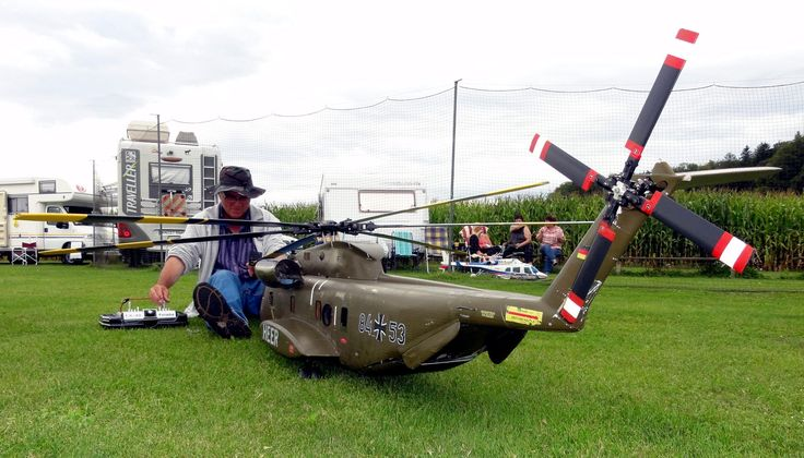 Very large scale r/c helicopters