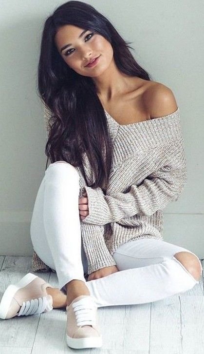 Oatmeal knit sweater, white skinny jeans, sneakers/runners