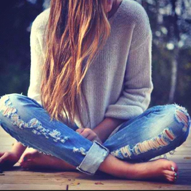 cozyA Mini-Saia Jeans, Rippedjeans, Sweaters, Ripped Jeans, Fashion, Style, Long Hair, Outfit, Boyfriends Jeans
