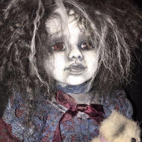 Gothic meisje 18 GHOST achtervolgd OOAK Assemblage Art