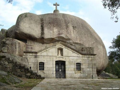 Capela de Nossa Senhora da Lapa, Vieira do Minho Using existing building materials!