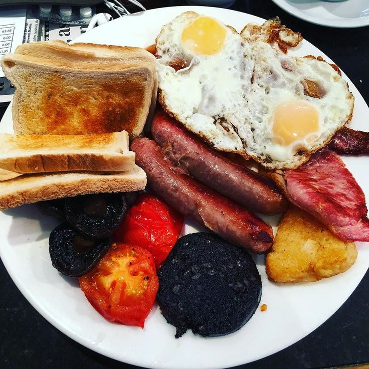 So today the buses in #Leeds are on strike. I had to walk to work in the rain as there was a long wait for a taxi. My walk was brightened up 3/4 of the way there by this #amazing #breakfast at the West Park Café on Otley Road. I will certainly be back as it was #delicious! #yummy #food #foodporn #leisure #life #IgersLeeds #Yorkshire #England