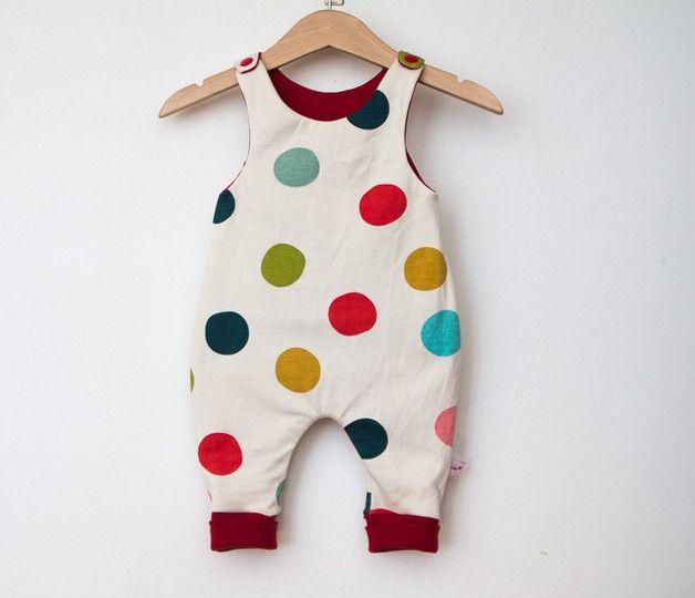 Süßer Strampler aus Bio-Baumwolle mit bunten Punkten, Babymode / babywear made of organic cotton, baby romper with colorful dots made by elvida via DaWanda.com