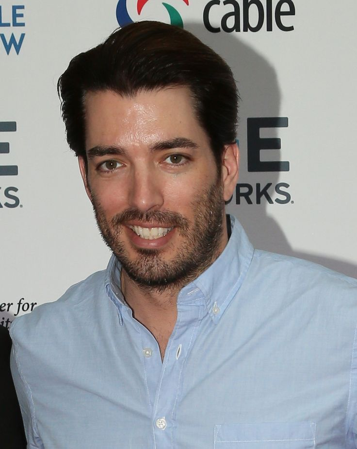 18 best photoshoots images on pinterest scott brothers drew scott and property brothers. Black Bedroom Furniture Sets. Home Design Ideas