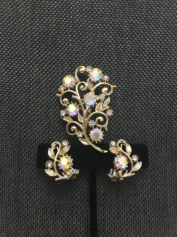 c77a749a508 Floral Rhinestone Brooch and Clip-on Earrings Set | Wonderful things ...