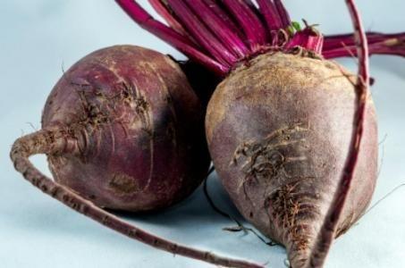7 důvodů proč zařadit červenou  řepu do jídelníčku