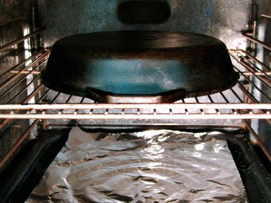 1000 ideas about seasoning cast iron on pinterest season cast iron skillet cleaning cast. Black Bedroom Furniture Sets. Home Design Ideas