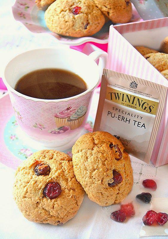 Dolci a go go: Tea Time-Biscotti morbidi alla ricotta e frutti rossi