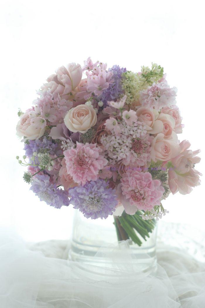 シェアできるブーケ しゅわしゅわのロゼワイン 淡い紫と淡いピンク 学士会館様へ : 一会 ウエディングの花