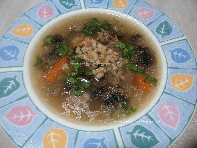 Receitas da Romy: Sopa de cevada com legumes e carne de peru