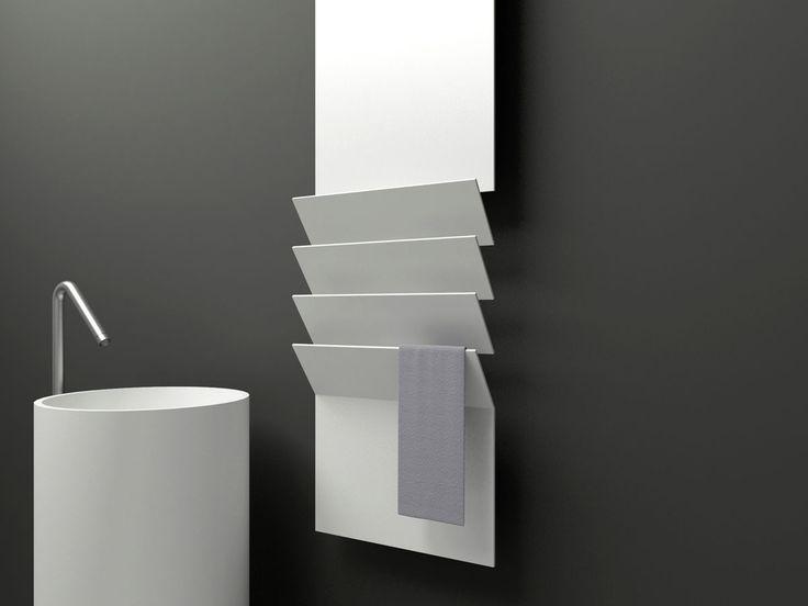Flaps - włoski grzejnik aluminiowy do łazienki od producenta Antrax. Prosty i praktyczny kształt ułatwia powieszenie ręcznika.