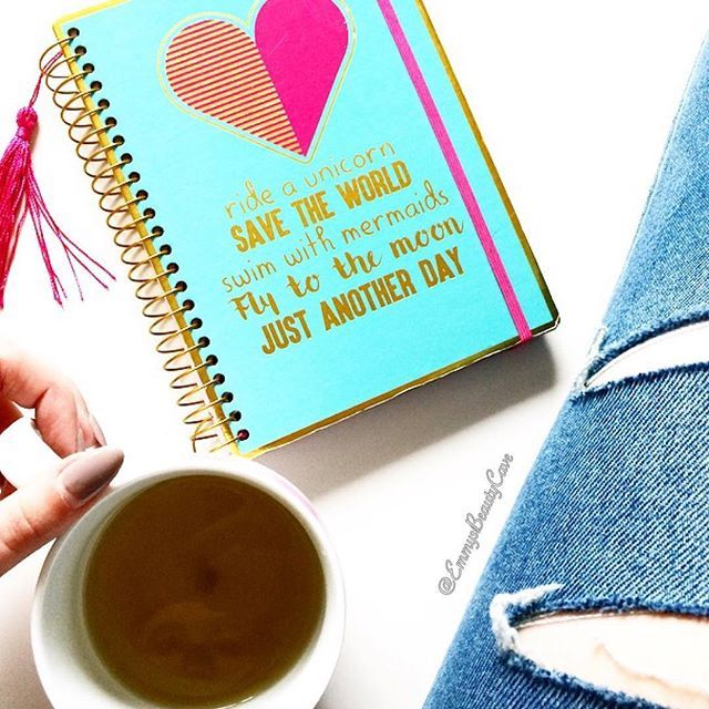 This weekend is a quiet one for me probably catch up on reading blogs and drinking plenty of Salted Caramel Green Tea as usual then looking forward to the boxing Saturday night! What are your plans this weekend? 💖