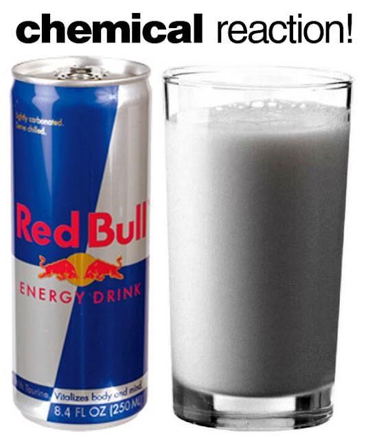 Een leuk chemisch experimentje voor in de klas. Voeg Red Bull en melk samen en kijk wat gebeurt ! http://www.youtube.com/watch?v=IFeceVPm7Do