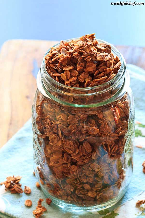 Simple Overnight Pumpkin Pie Spice Granola with Maple Syrup and ...