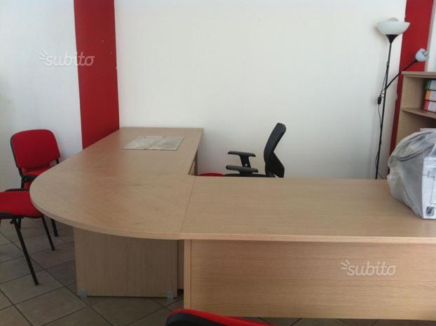 scrivania-in-legno-componibile-ad-angolo