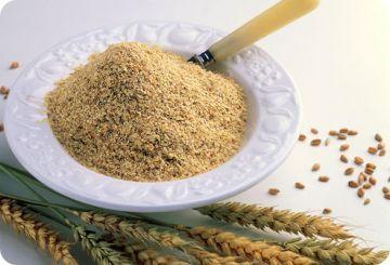 #Germendetrigo Composición por 100 gramos de porción comestible. Energía (Kcal) 333, Agua (g) 11,5, Proteínas (g) 25 Glúcidos totales (g) 33,3 Azúcares (g) 13, Lípidos totales (g) 11,1 Saturadas (g) 1,5. Vitaminas:vitamina E, vitamina D tiamina, riboflavina, niacina, B6 y B9 . Minerales: Sodio, potasio, calcio, magnesio, fósforo (971 mg), hierro y zinc. Información obtenida de: Tablas de composición de alimentos del CESNID www.nutrigame.es