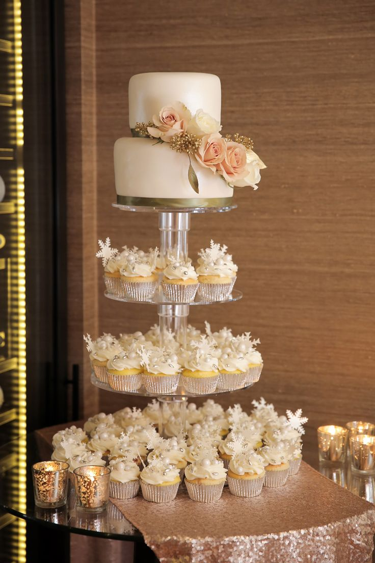 Wedding cake and cupcakes (Pepper Nix Photography)