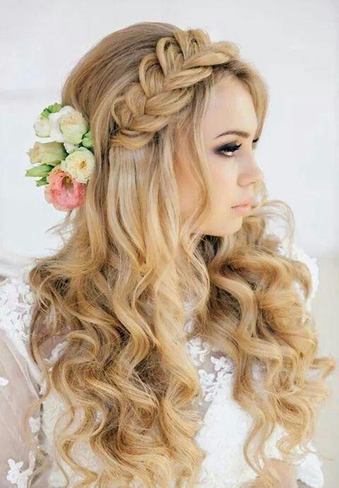 Trenza de lado en cabello suelto