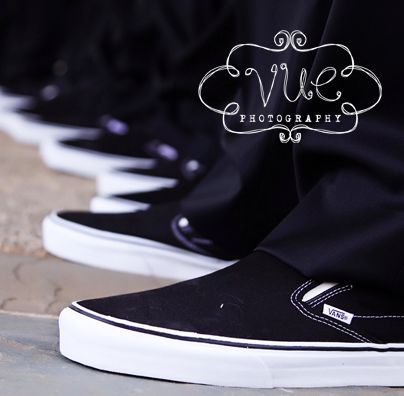 wedding photography - vue photography - real wedding - swinging into fall - groomsmen - getting ready - wedding shoes - vans
