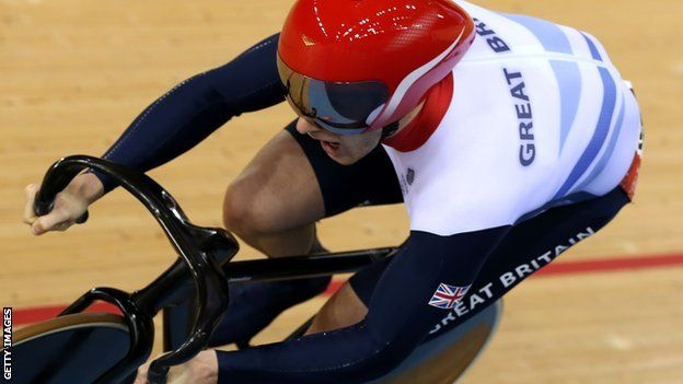 Great Britain's superb cycling form continued on Saturday when Jason Kenny set a new Olympic record in qualifying for the men's sprint.