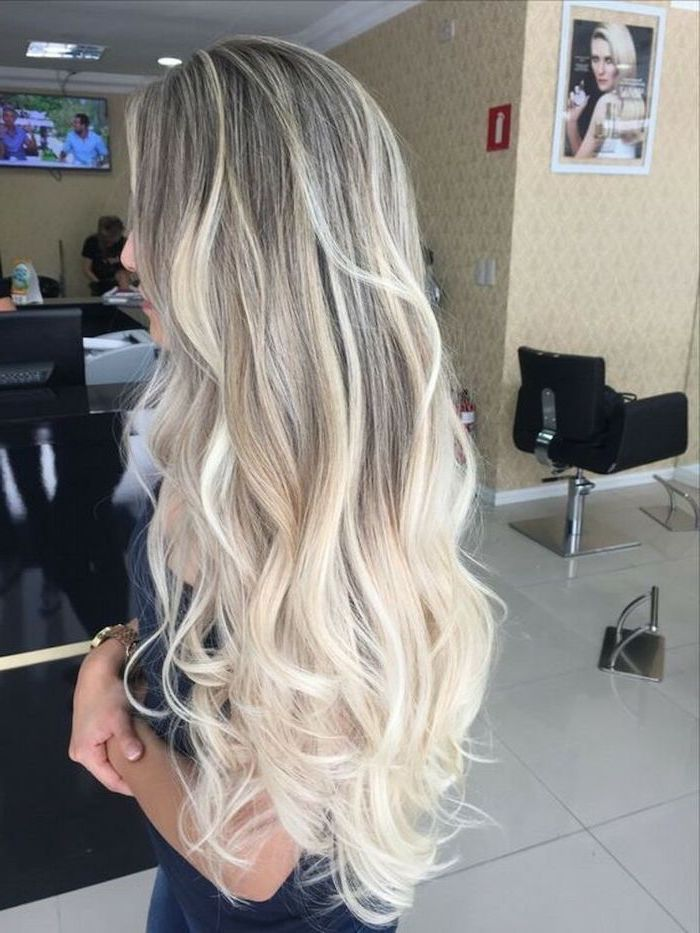 What Is Ombre Hair Dark To Light Blonde Very Long Wavy Hair White Tiled Floor In 2020 White Ombre Hair Ombre Hair Blonde Ombre Curly Hair