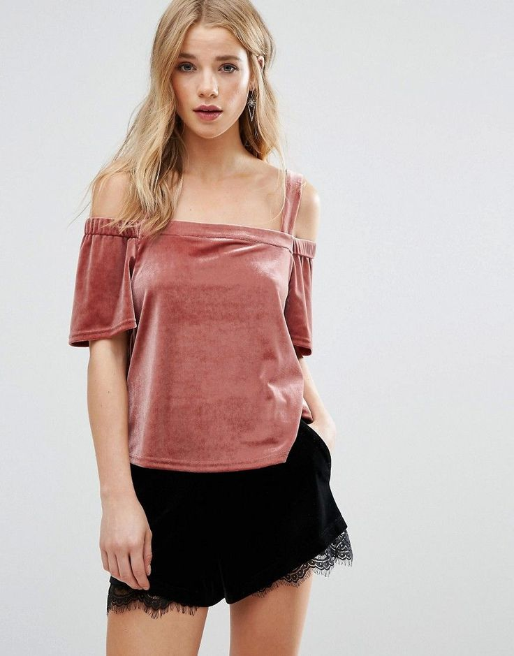 Buy it now. New Look Velvet Bardot Top - Red. Top by New Look, Soft-touch velvet, Stretch bardot neckline, Cold-shoulder design, Loose fit - falls loosely over the body, Machine wash, 91% Polyester, 9% Elastane, Our model wears a UK 8/EU 36/US 4. ABOUT NEW LOOK Transforming the coolest looks straight from the catwalk into wardrobe staples, New Look joins the ASOS round up of great British high street brands. Get it or regret it with its weekly drops of essential coats, statement partywear…