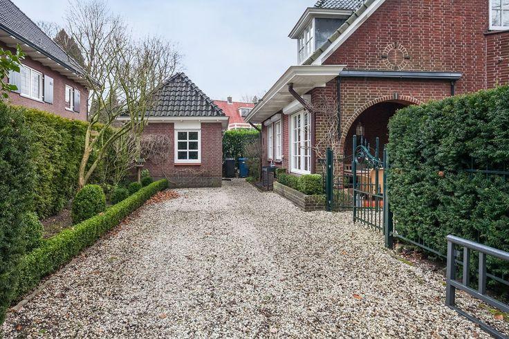 Mooi voor bij een jaren 30 woning een oprit van grind jaren 30 tuin - Doen redelijk oprit grind ...