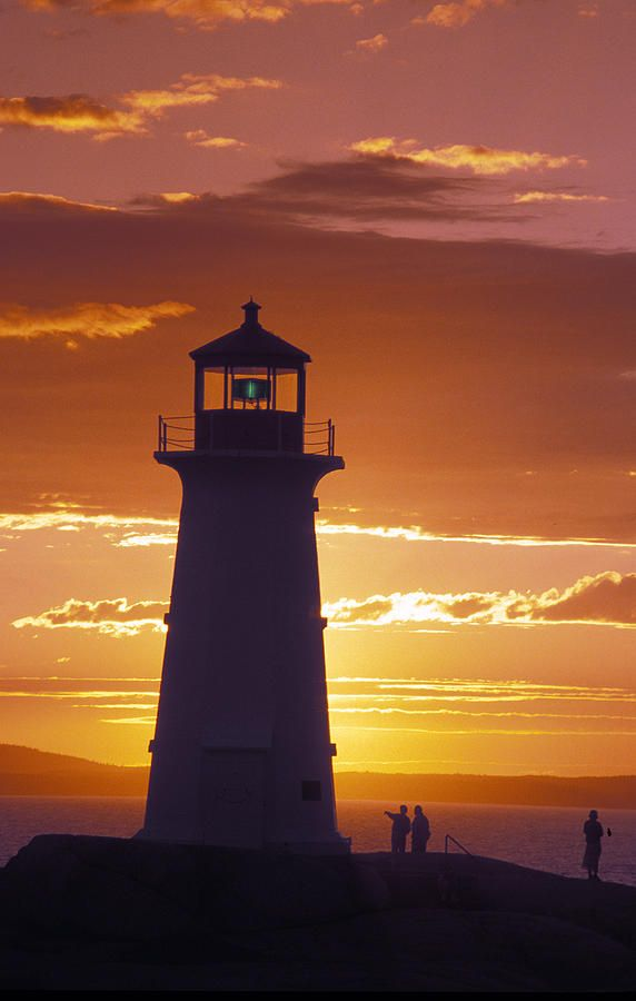✮ Lighthouse at sunset in Peggy's Cove, Nova Scotia