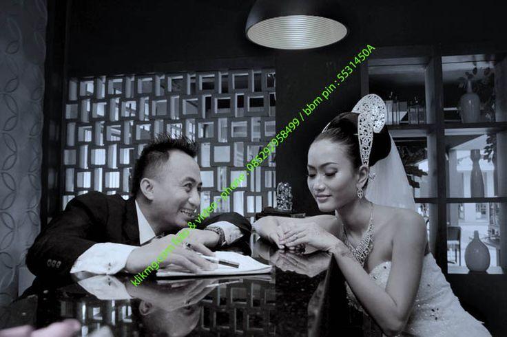 Prewedding Photo of AIRIN & VERDIAN @Bridal Themes Wardrobe | Photo oleh KLIKMG Fotografer Purwokerto | Tata Rias, Rambut & Busana oleh : Utami Irawan Rias Pengantin Purwokerto/ Rias Pengantin Solo | albumkami.net