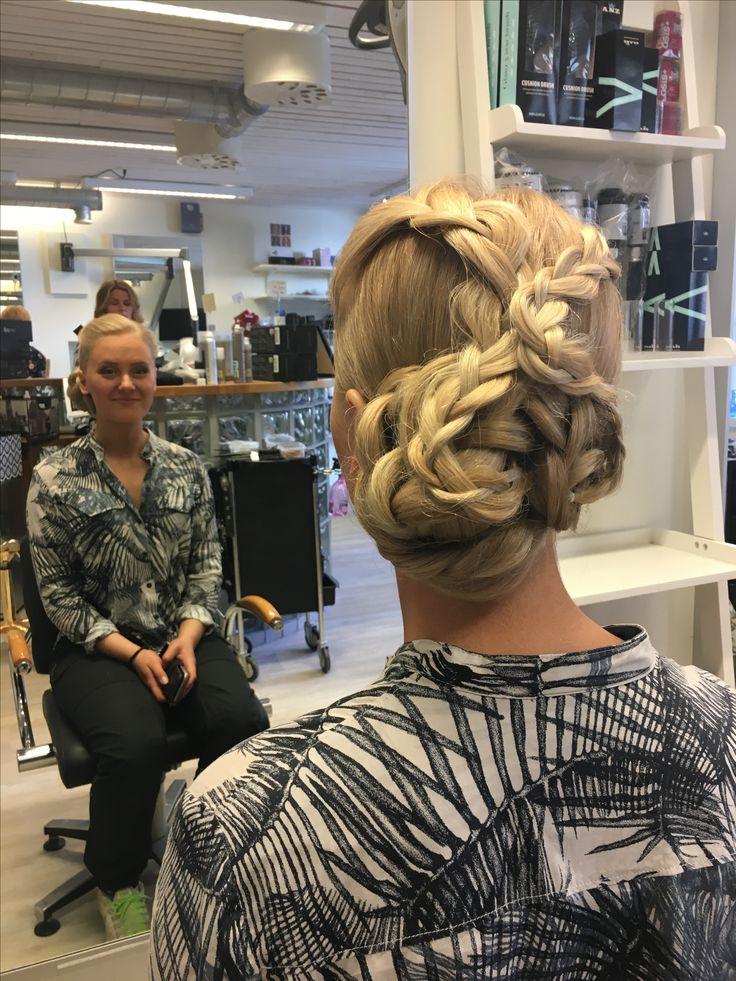 katrineholm women Meet thousands of beautiful single women online seeking men for dating, love, marriage in sweden.