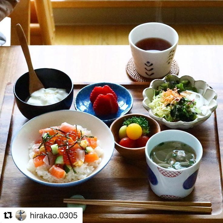 #Repost @hirakao.0305 さんより これはお約束のアレしかありませんね。「お膳の上が宝石箱やぁ〜〜〜」。 #クッキングラム ・・・ ⋆*2017.4.9.sun ・ ばらちらしの朝ごはん❤︎ 昨日の残りで。 ・ 明日は始業式🎊 朝はまたバタバタかな。 ・