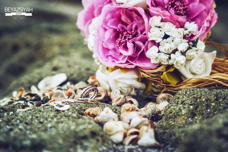 Detail,flowers,ring,bride,Groom