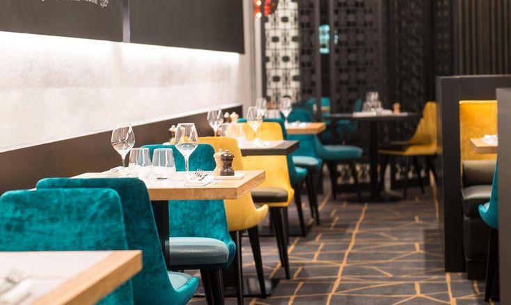 14 best chaises modernes collinet images on pinterest modern chairs restaurant and restaurants. Black Bedroom Furniture Sets. Home Design Ideas