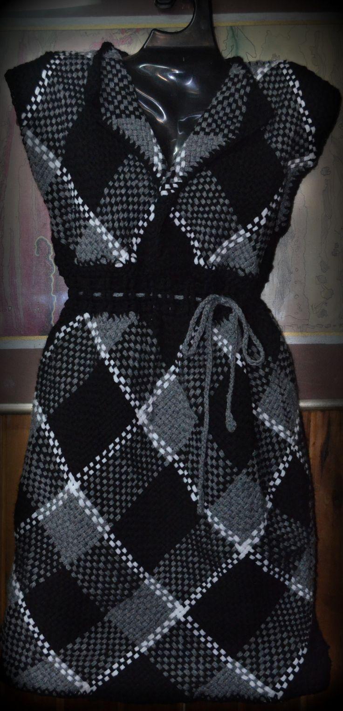 Vestido escoces tejido artesanal en bastidor