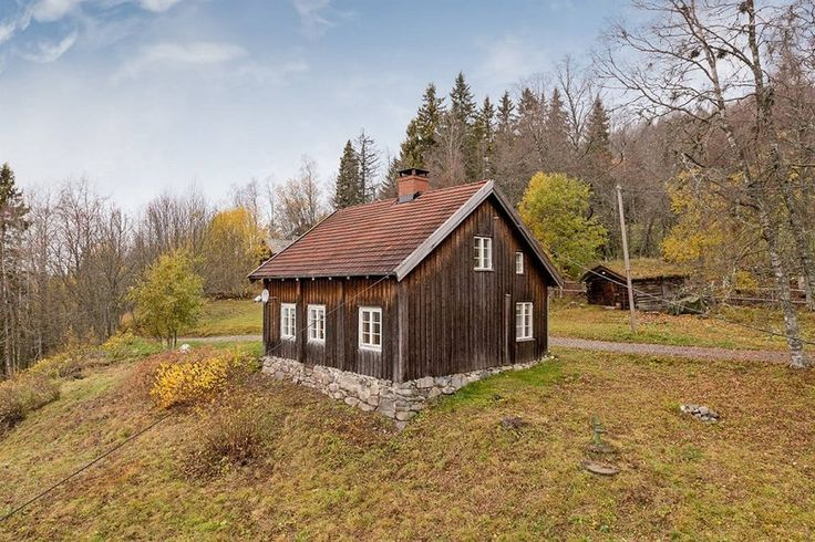 Main house  https://www.airbnb.com/rooms/5532074?af=187519&c=direct_link